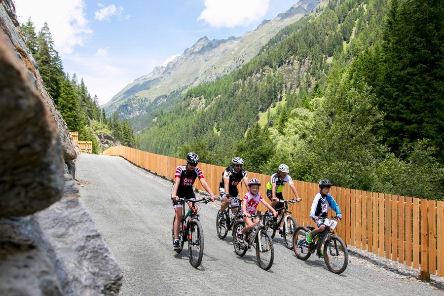 Ötztal-Familie-Radfahren